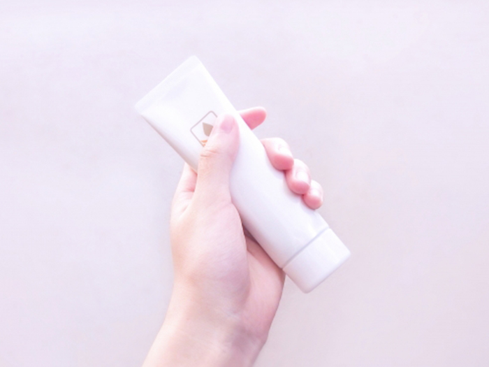 「懶人保養法」的重點︰使用BB霜或BB粉底