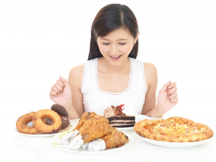 不均衡的飲食導致指甲裂開、斷掉