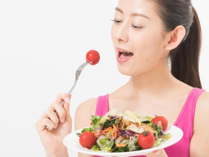 營養均衡的飲食來預防指甲裂開、斷掉