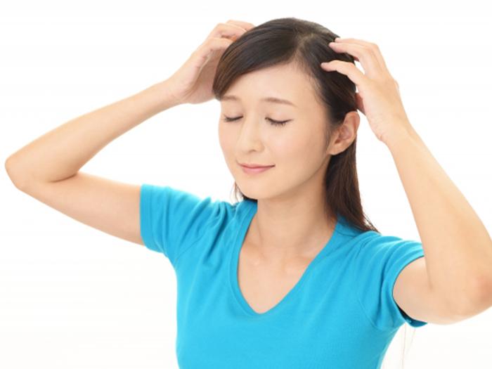 使用育毛劑進行頭髮保養來做產後的掉髮對策