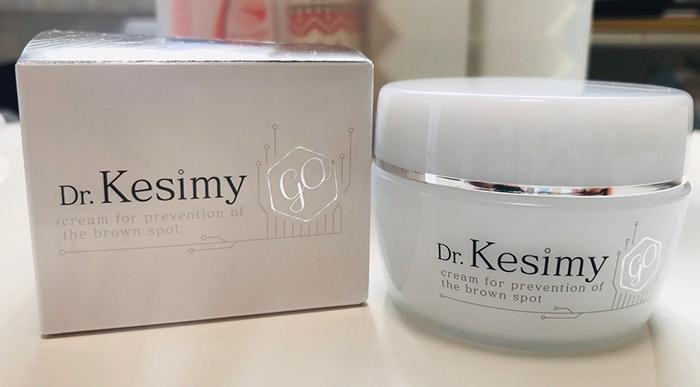 Dr.Kesimy珂絲密全效合一精華凝露外包裝