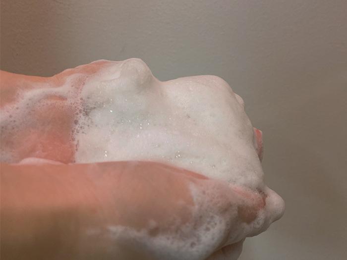 使用海山泥礦淨白潔顏泥的泥
