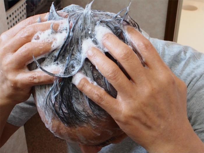 擦養髮液前要洗頭