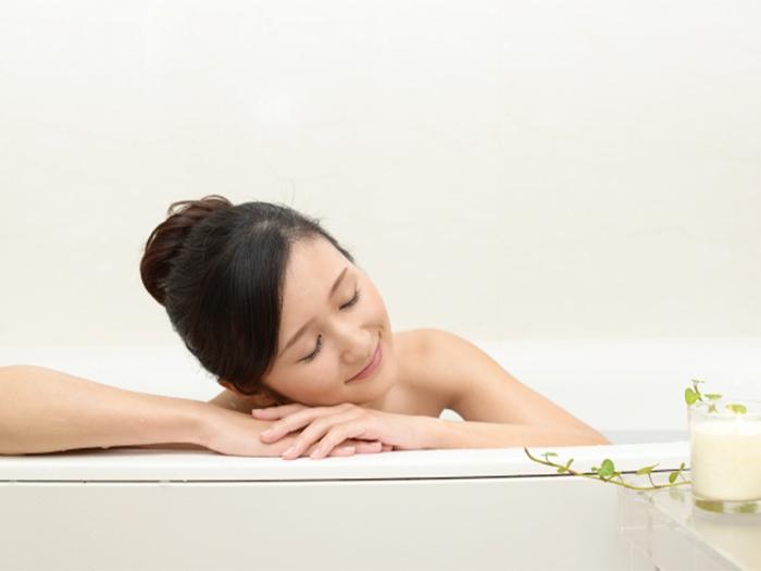防止冬天皮膚乾燥的泡澡